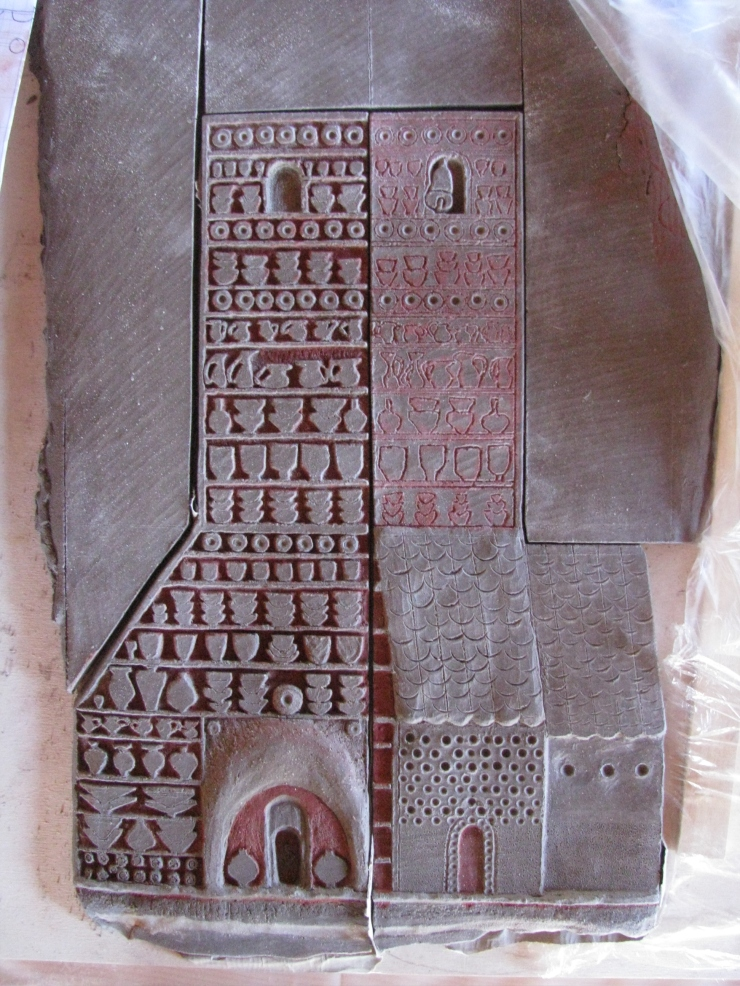 bassorilievo visione della chiesa fornace in fase di lavorazione